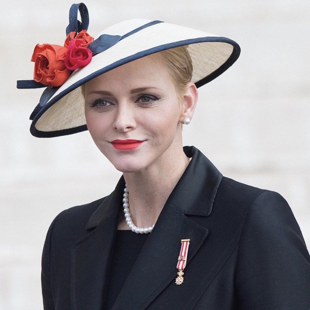 Королевский гардероб. Евгения Никитина о стиле и образе королев и герцогинь Европы